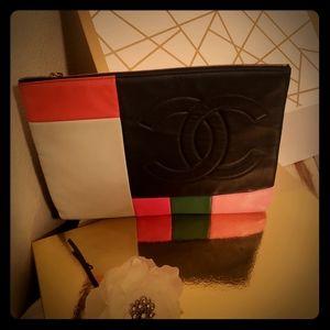 CC Chanel Color block Leather zip pouch (clutch)